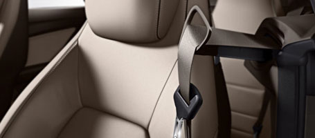 2017 Mercedes-Benz E Class Seat Belt Technology